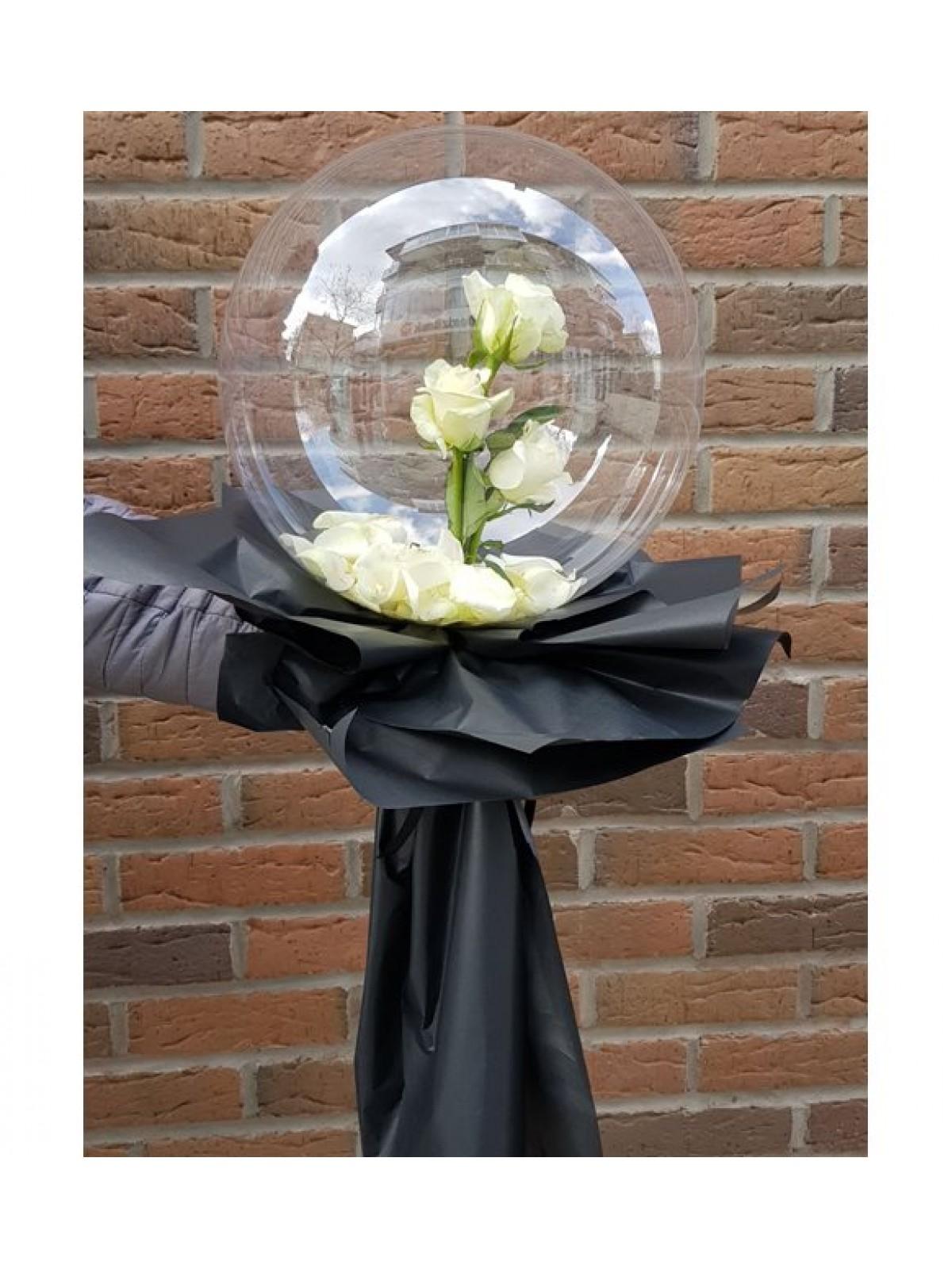 Şeffaf Balon İçinde Beyaz Güller